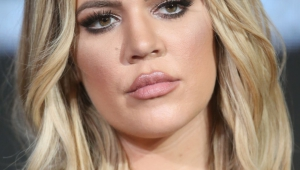 Khloe Kardashian HD Iphone