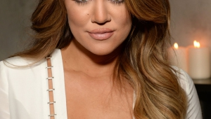 Khloe Kardashian Iphone Sexy Wallpapers