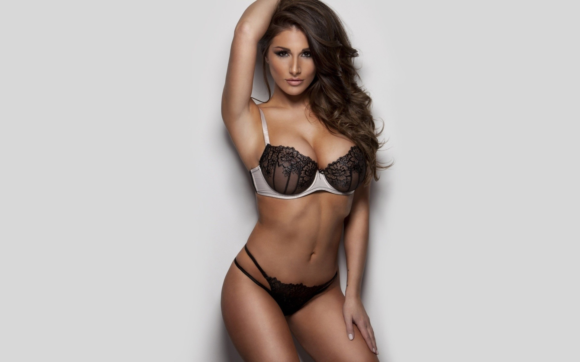 Lucy Pinder Free HD Wallpapers