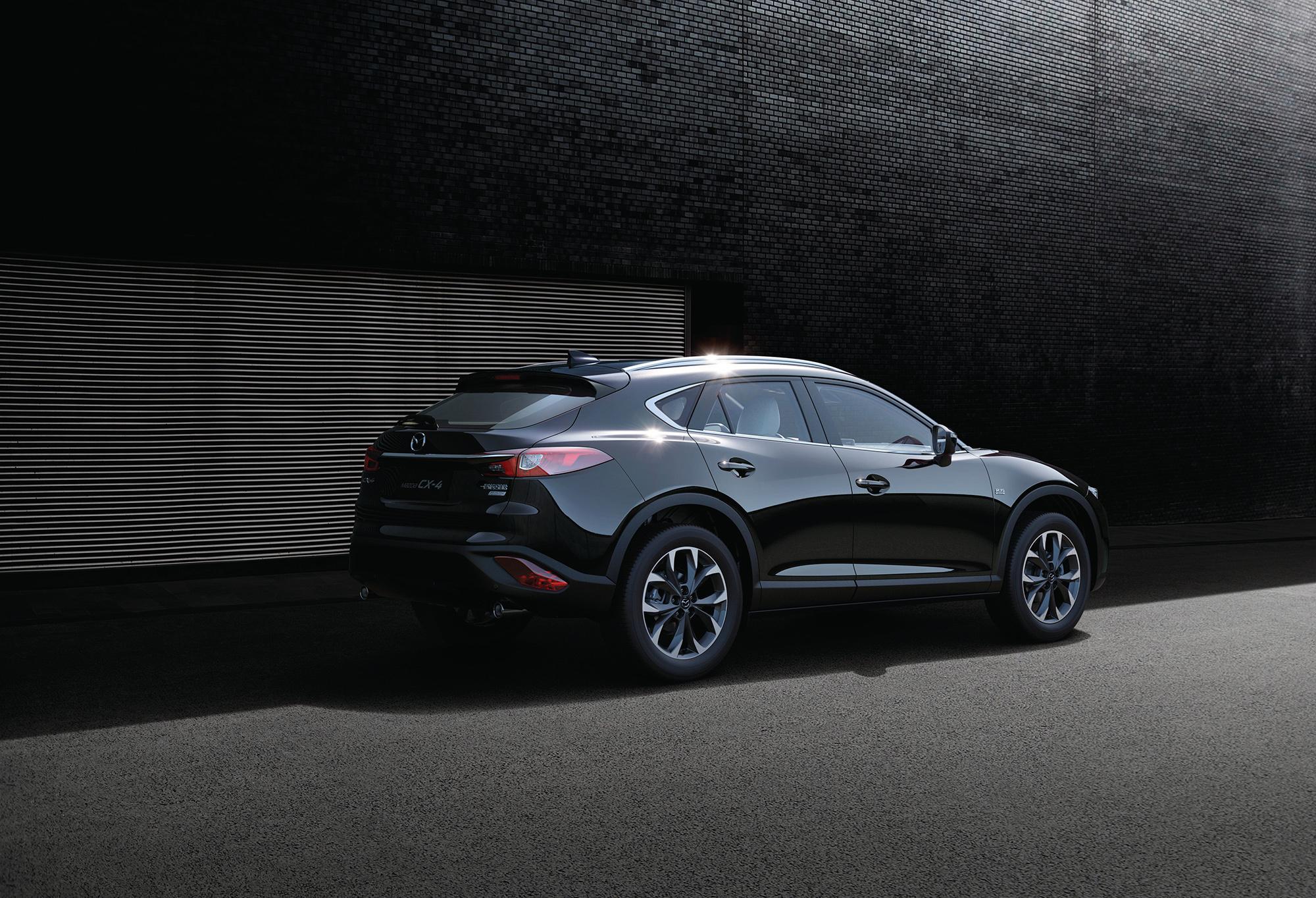 Mazda CX 4 Pictures