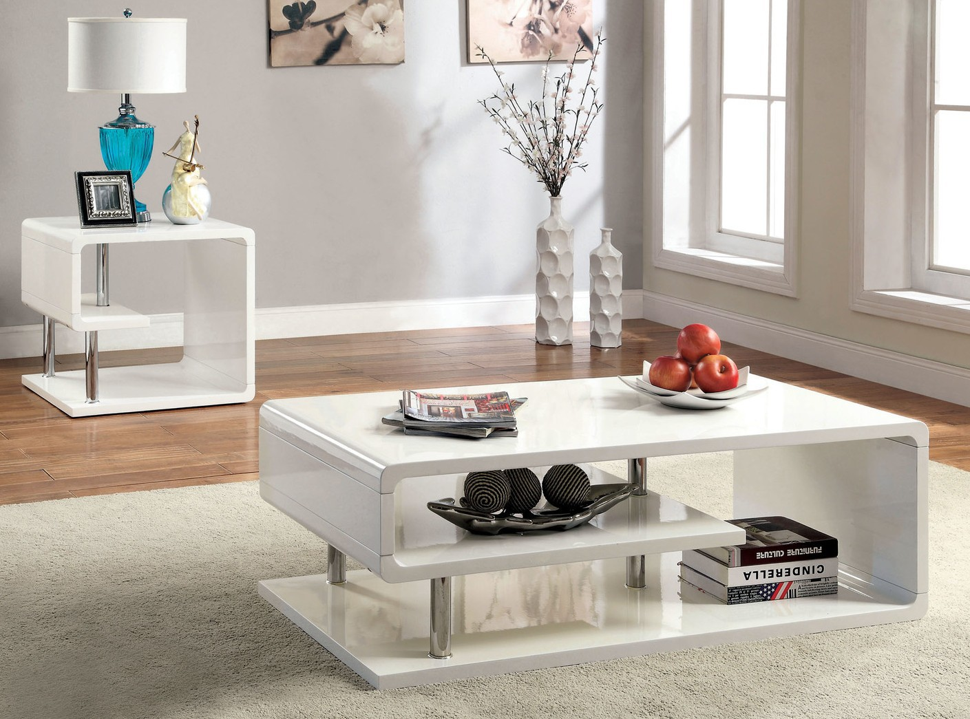 Nice White Lacquer Coffee Table