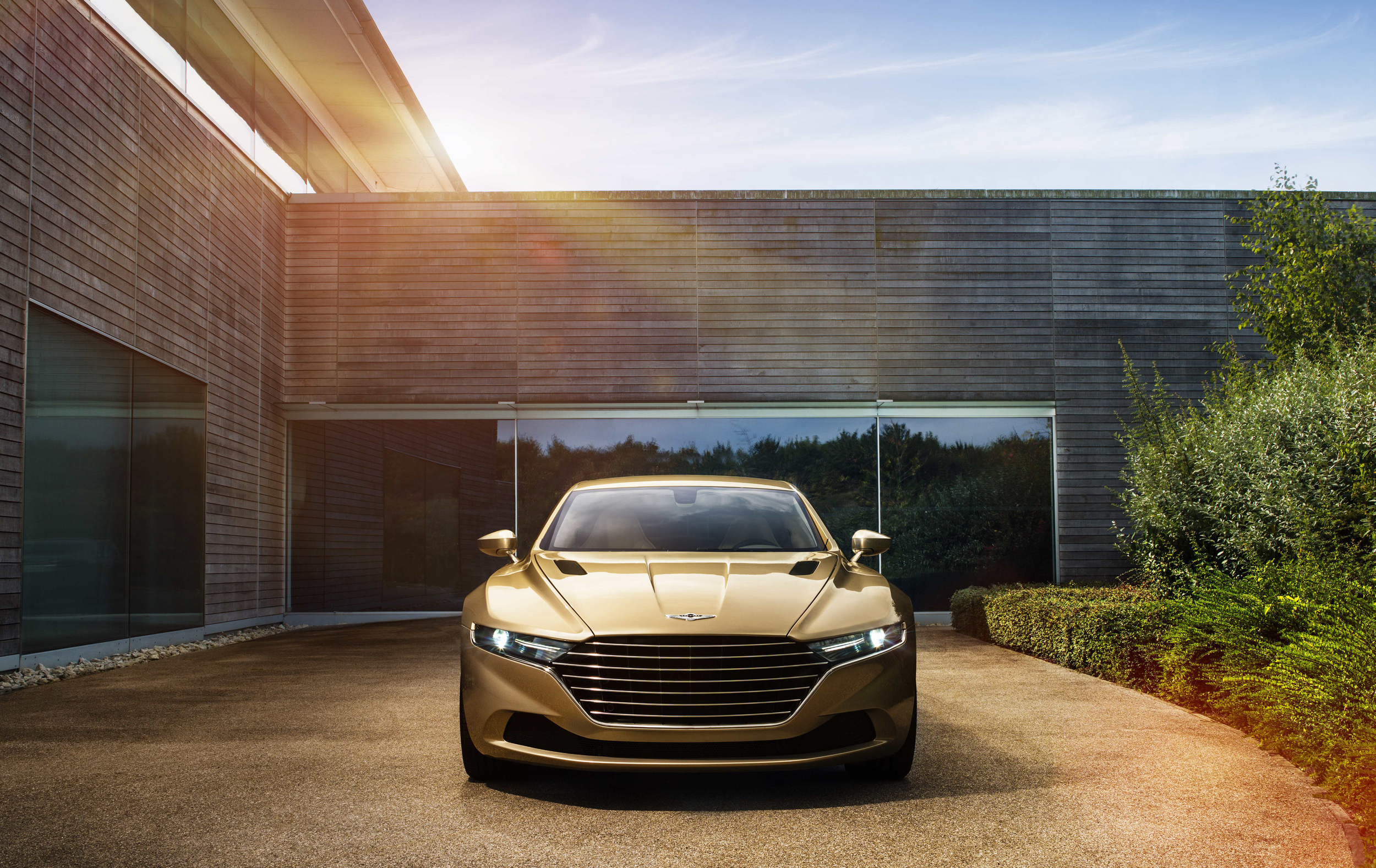 Pictures Of Aston Martin Lagonda