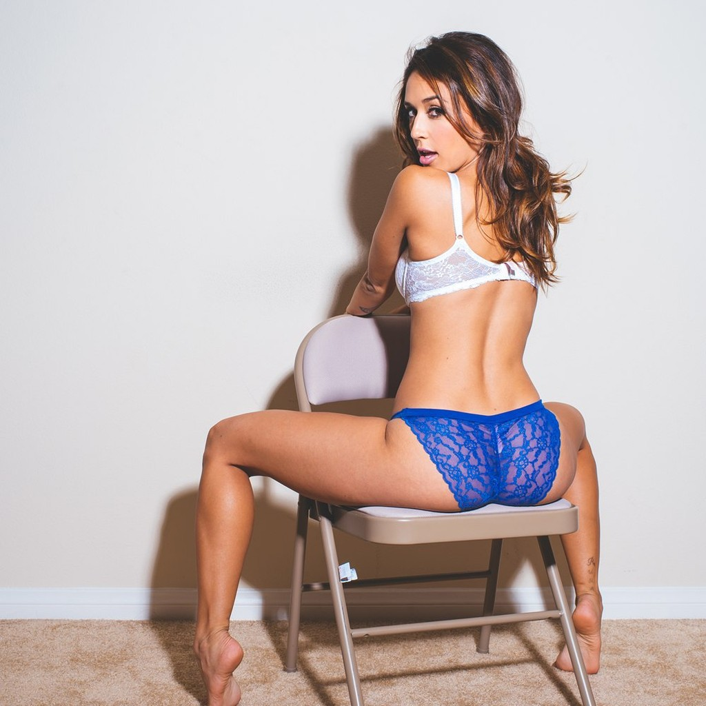 Pictures Of Tianna Gregory