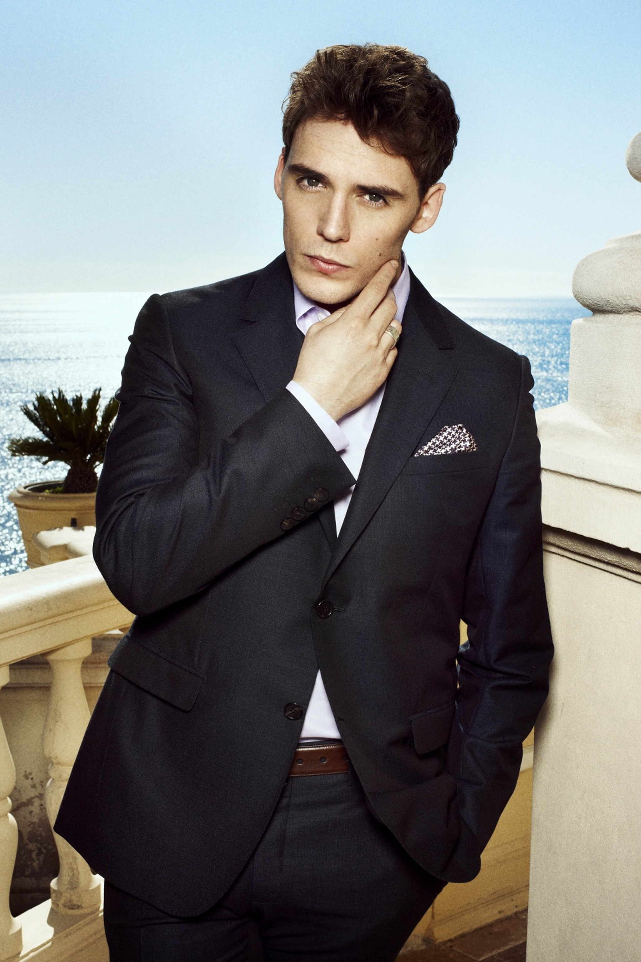 Sam Claflin Iphone Sexy Wallpapers