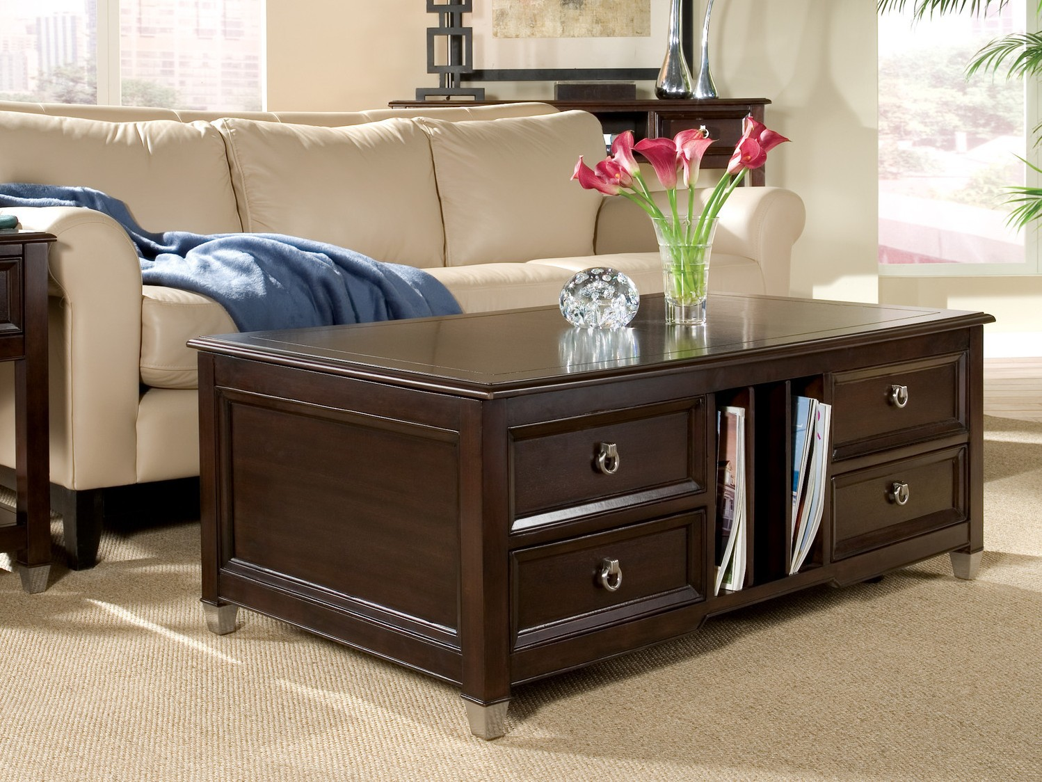 Traditional Coffee Table With Drawers