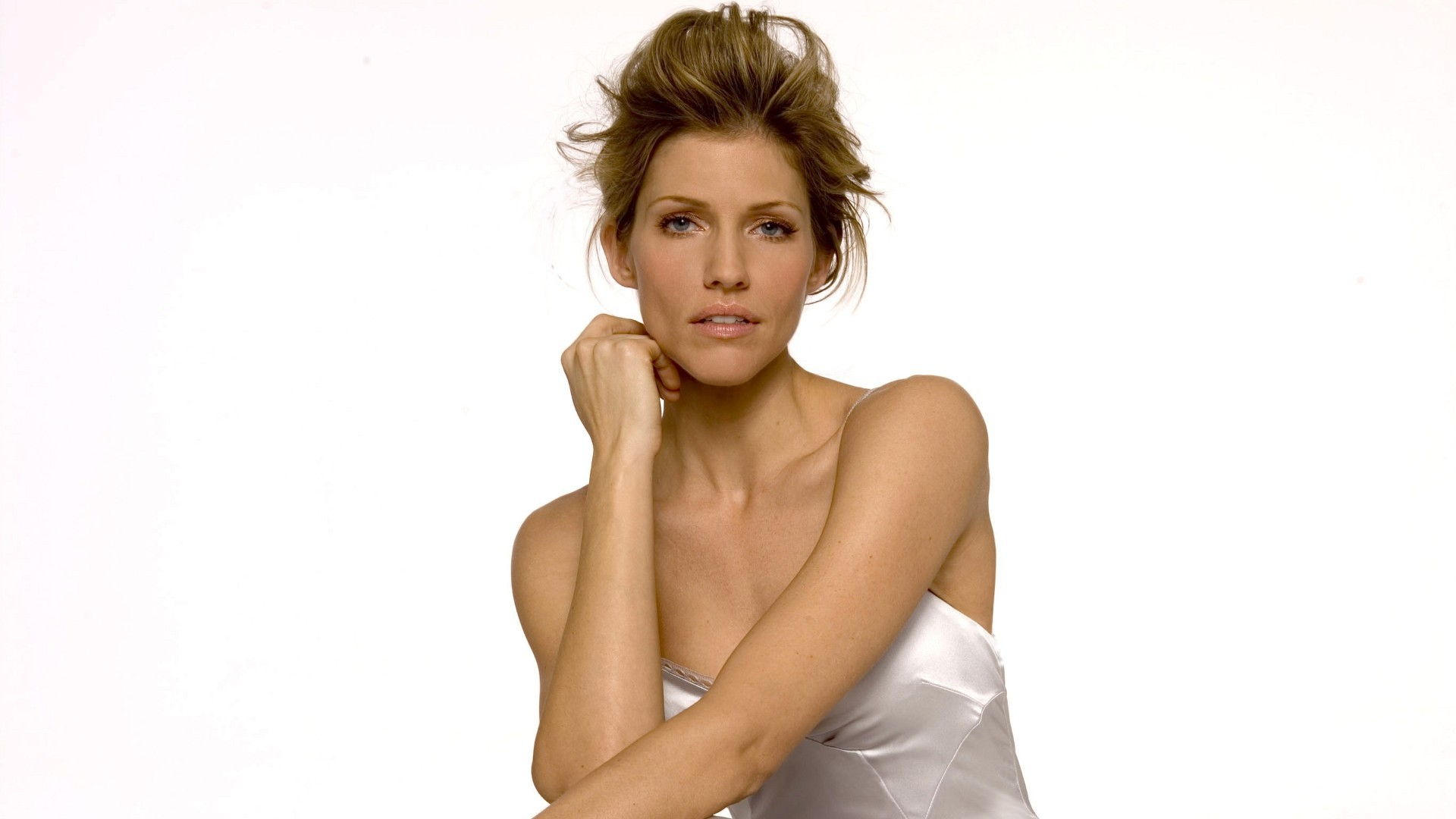 Tricia Helfer Wallpapers HQ