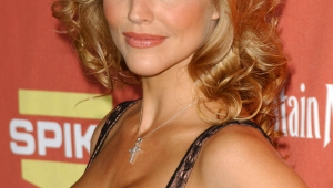 Tricia Helfer Iphone Background