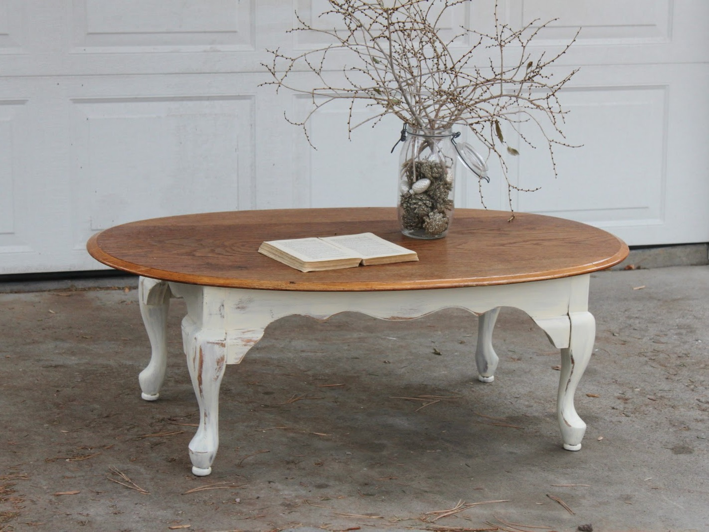 Vintage Coffee Table With Polished Top