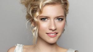 Blonde Chic Bridal Hair