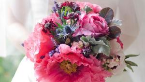 Chic Flower Bouquet Idea For Wedding