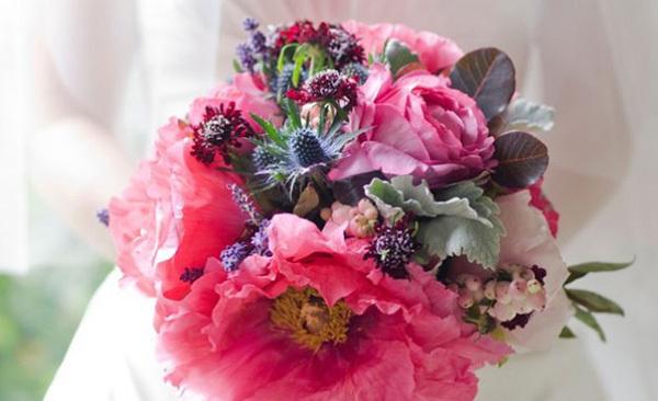 Chic Flower Bouquet Idea For Wedding