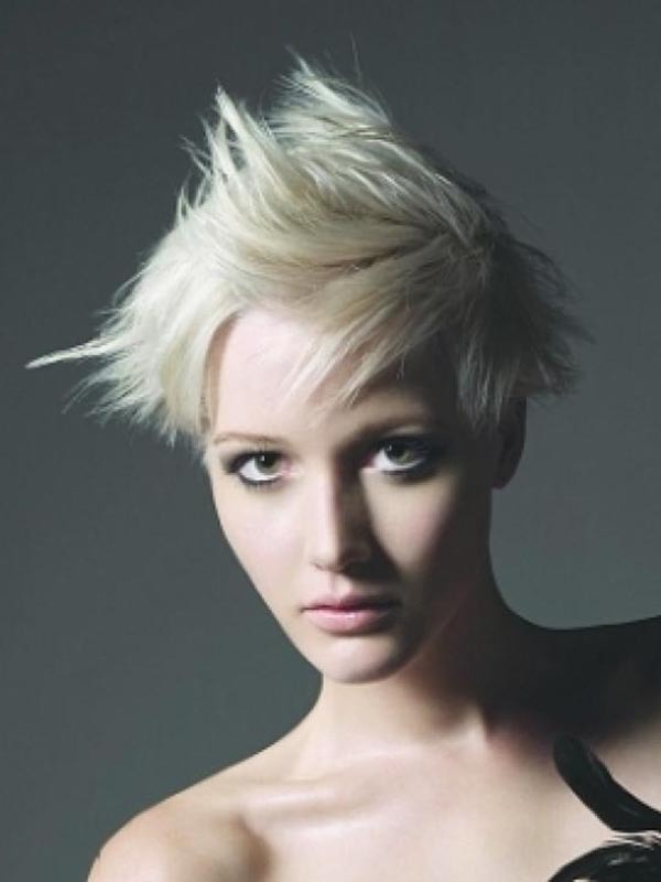 Short Blonde Platin Spiky Hair