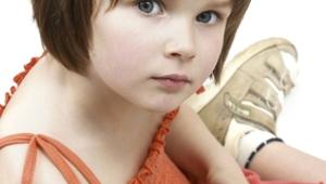 Short Cute Baby Girl Hair