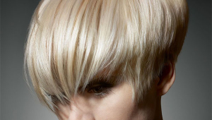 Stylish Blonde Short Hairstyle