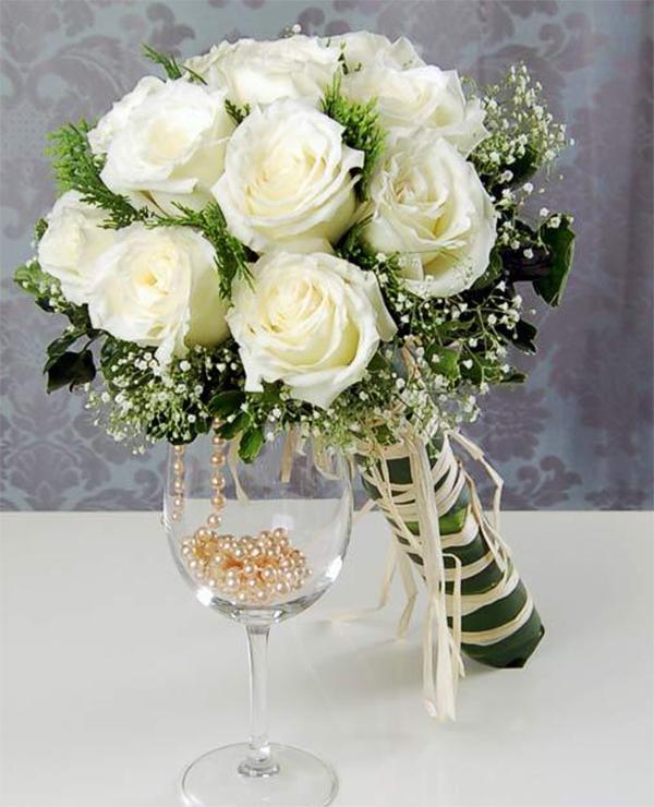 White Bridal Bouquet Design