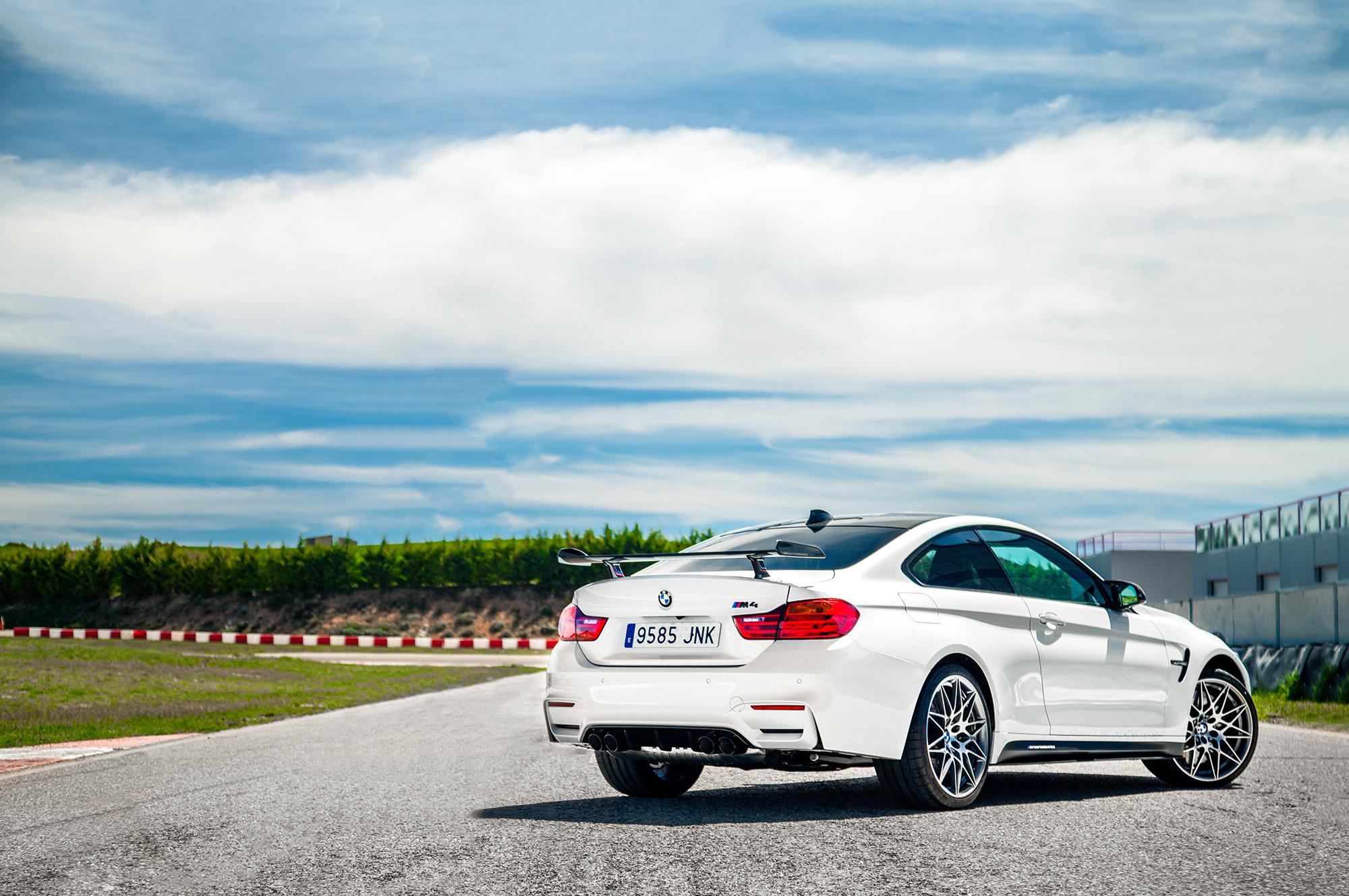 BMW M4 Competition Sport HD Desktop