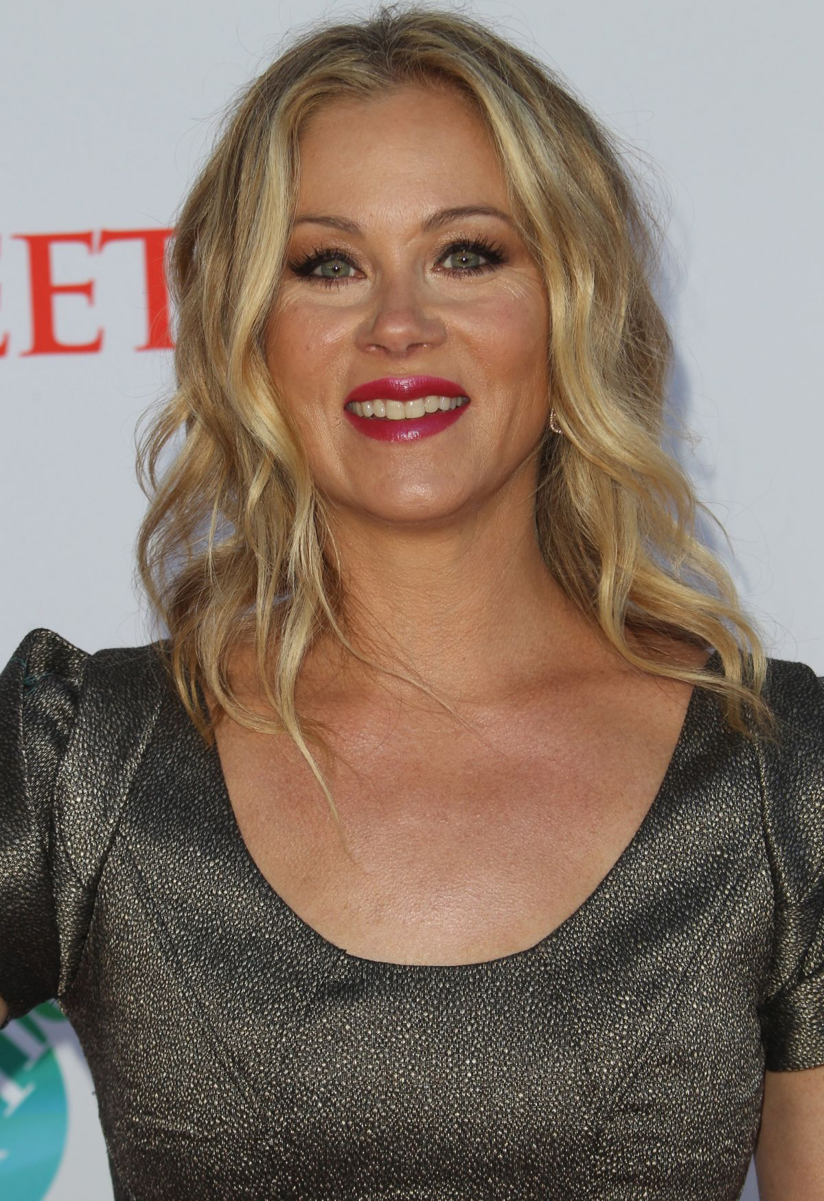 Christina Applegate Desktop For Iphone