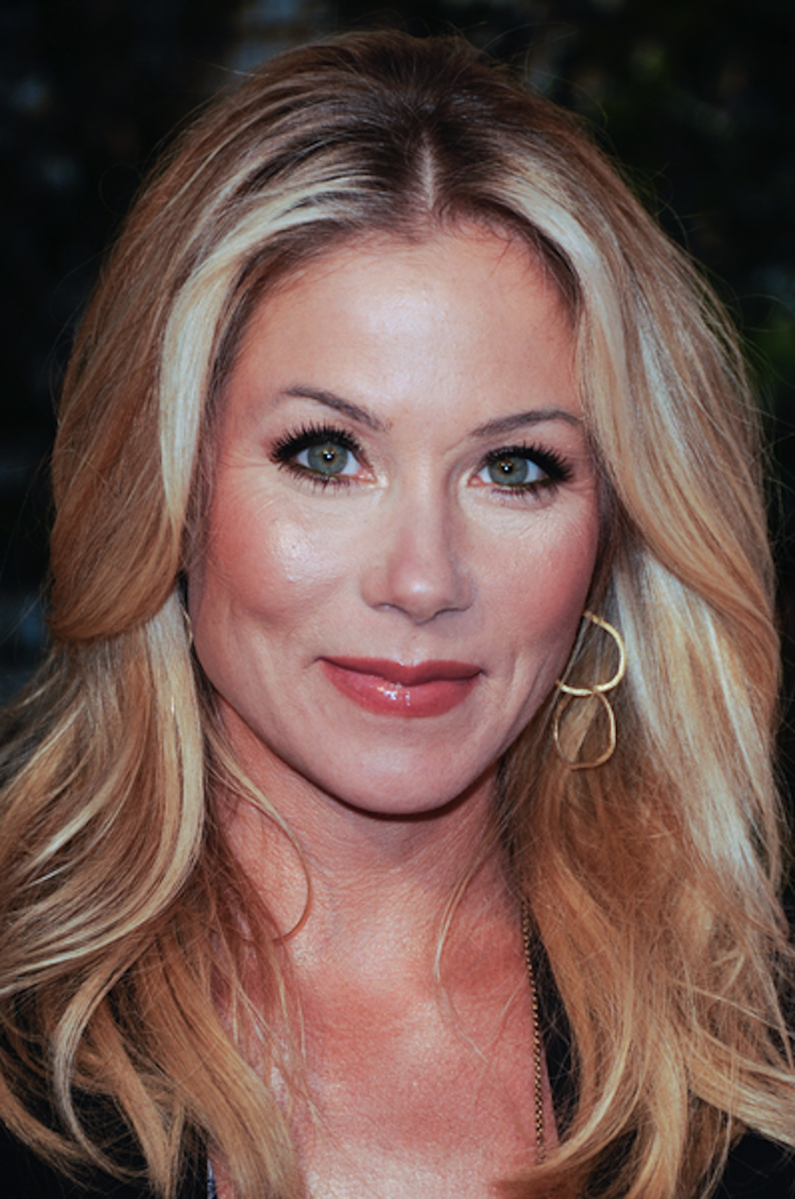 Christina Applegate Iphone Sexy Wallpapers