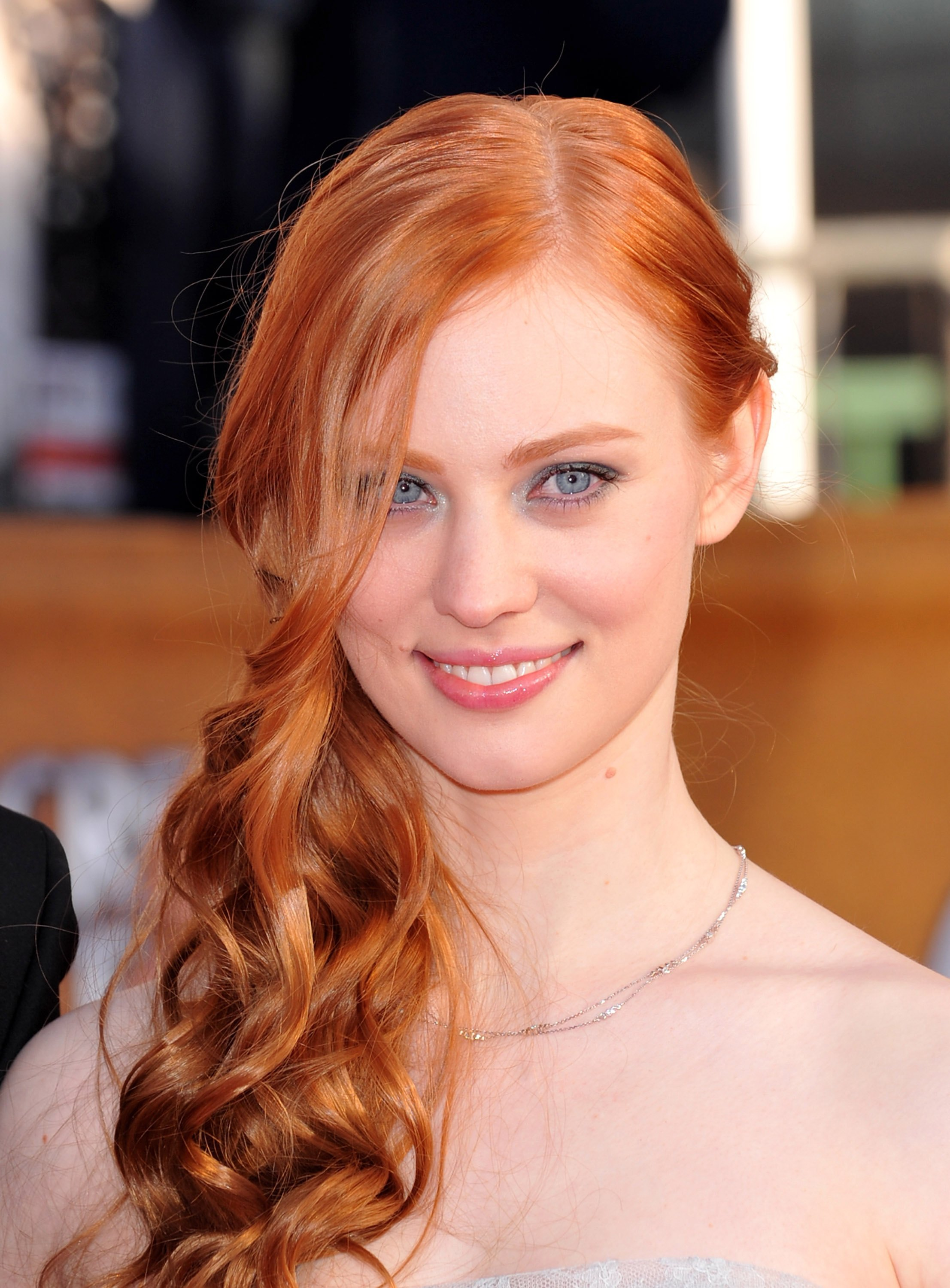 Deborah Ann Woll Android Wallpapers