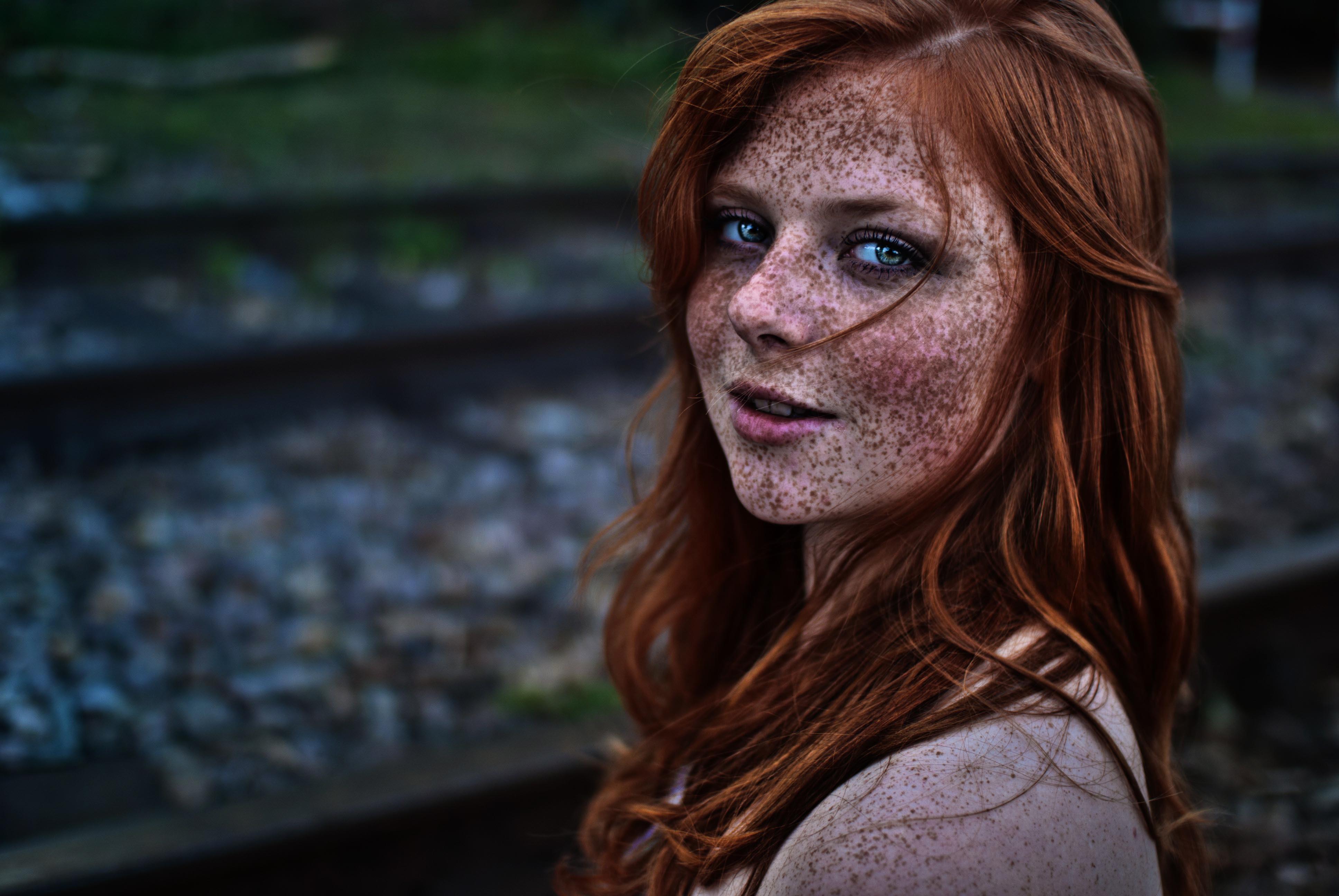 Freckled Girls Desktop Wallpaper
