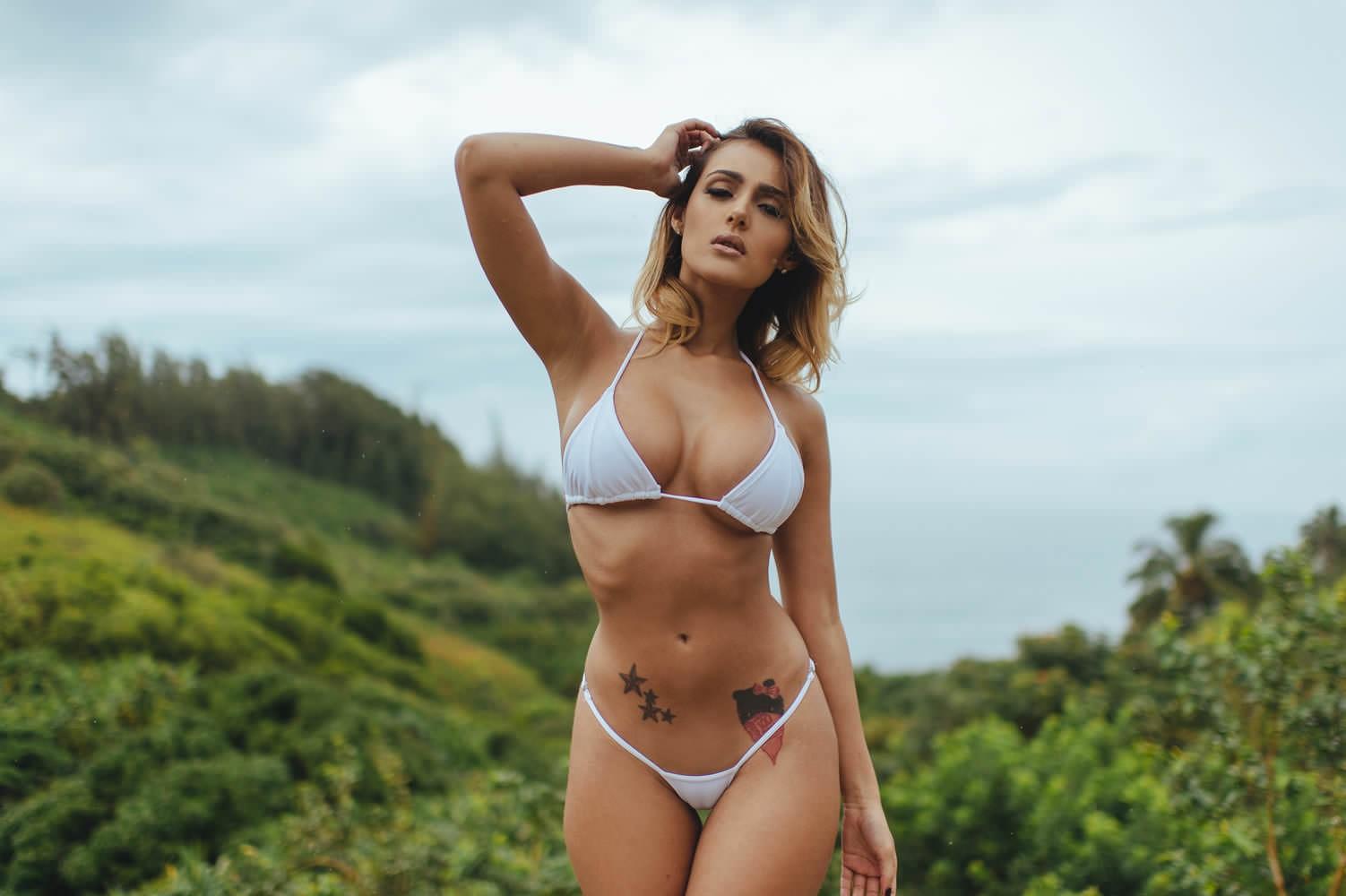 Фото голая эшли рей, присланные фото голых женщин
