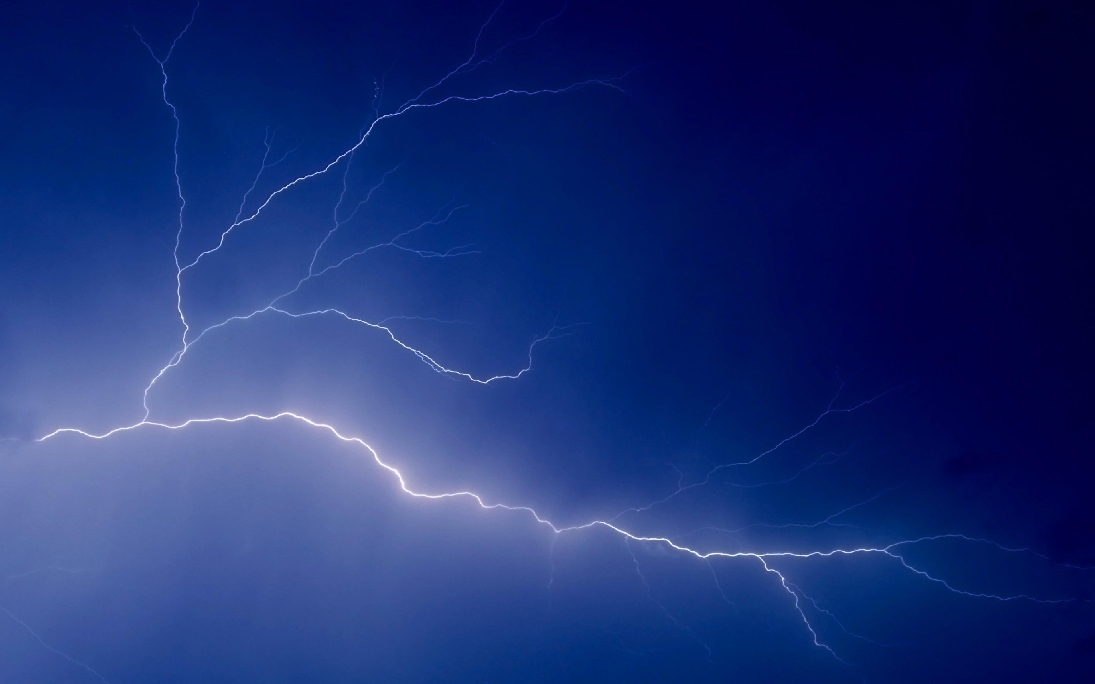 Lightning Full HD