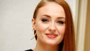 Sophie Turner Wallpaper For Laptop