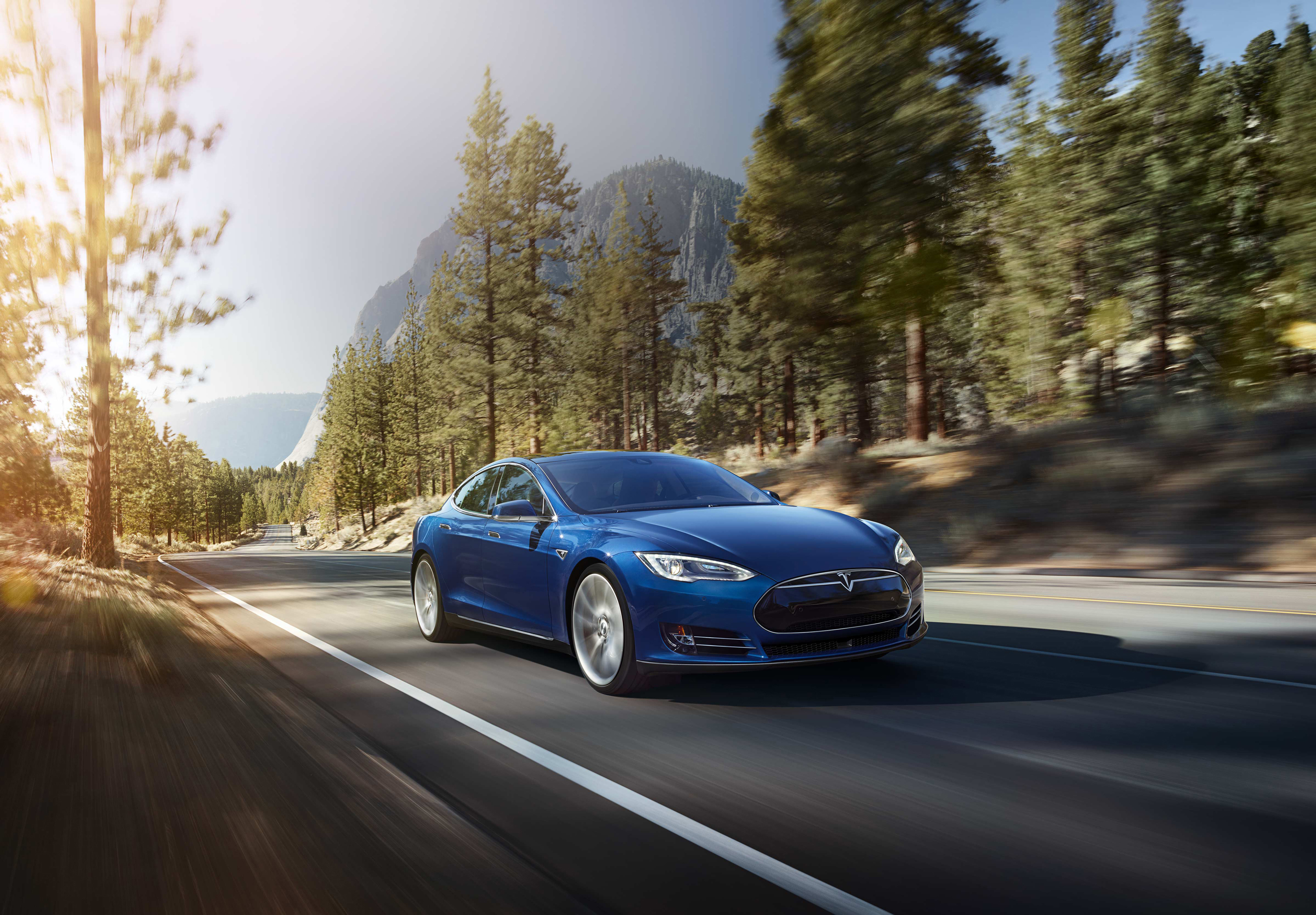 Tesla Model S Desktop