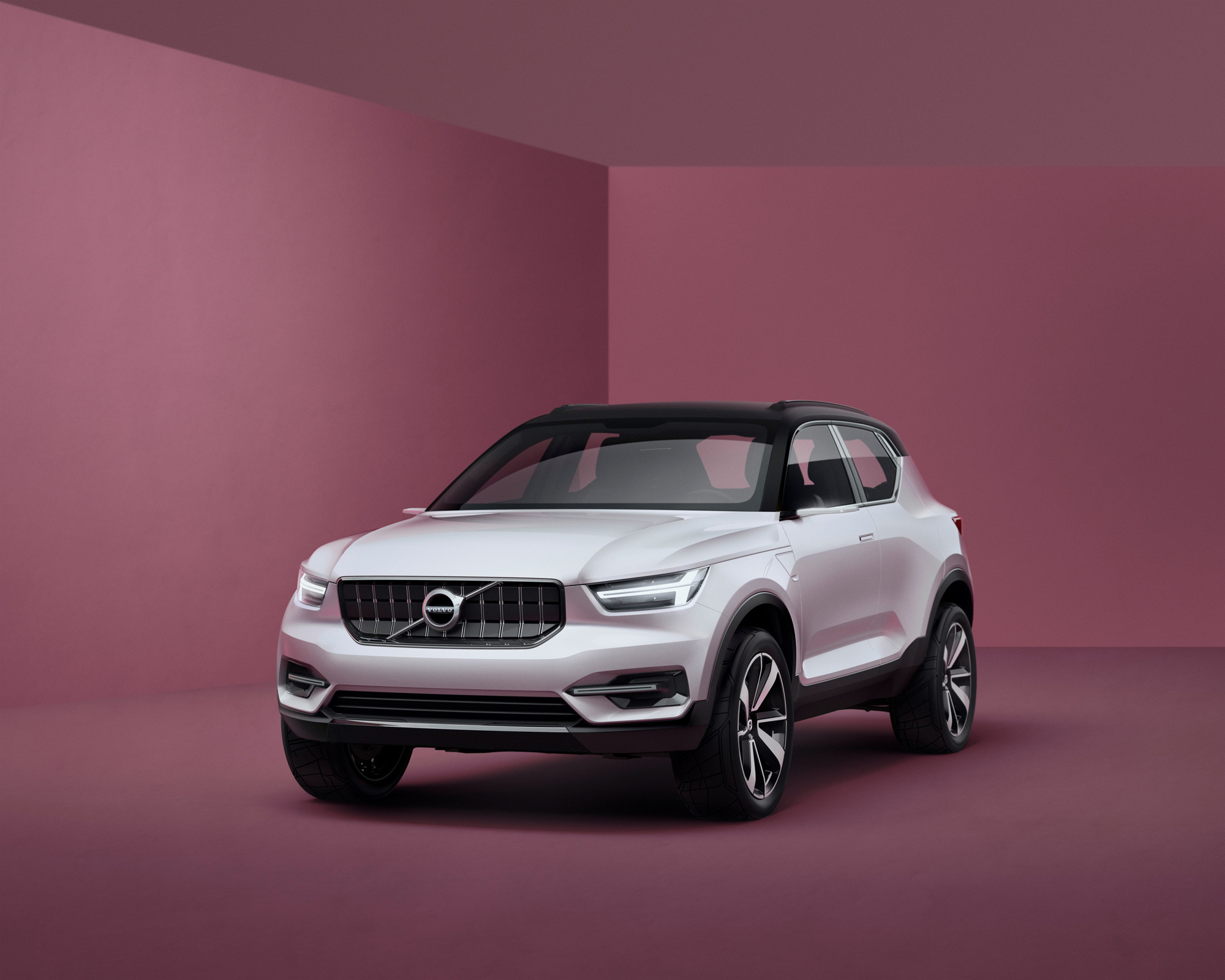 Volvo XC40 2017 Wallpapers