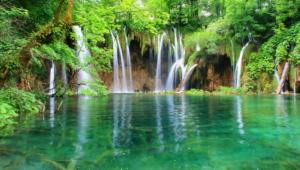 Breath Taking Waterfall Wallpaper