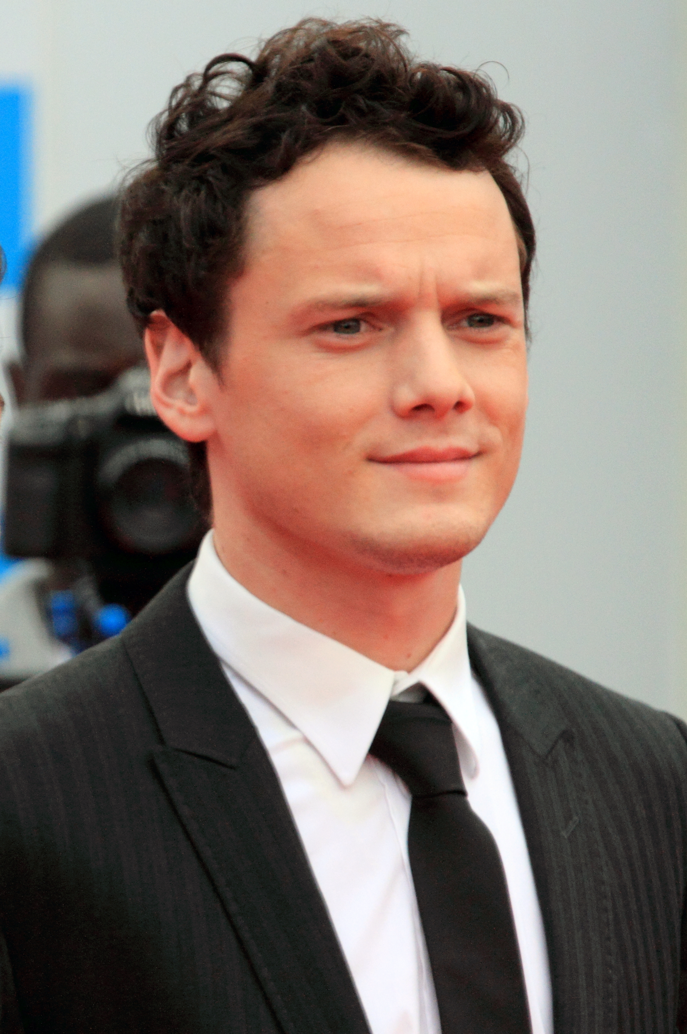 Anton Yelchin High Quality Wallpapers For Iphone
