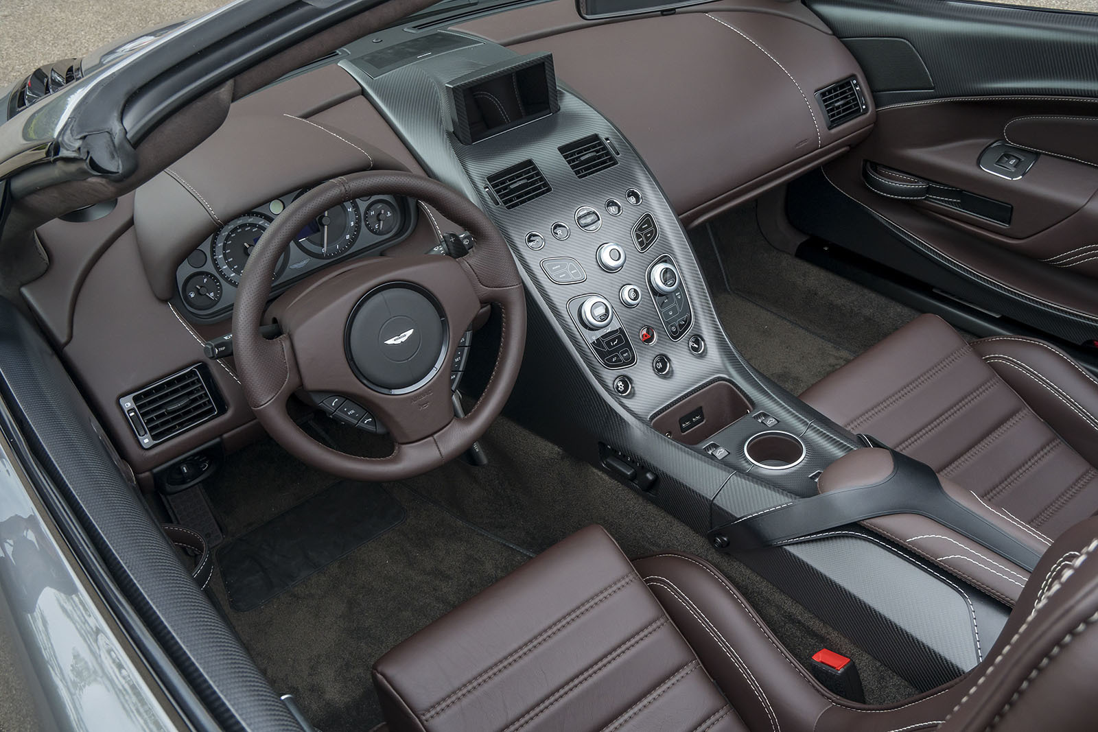 Aston Martin Vantage GT12 Roadster High Quality Wallpapers