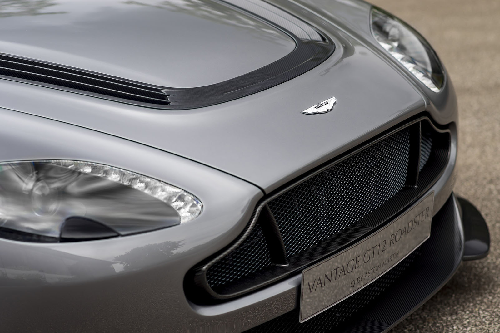 Aston Martin Vantage GT12 Roadster Images