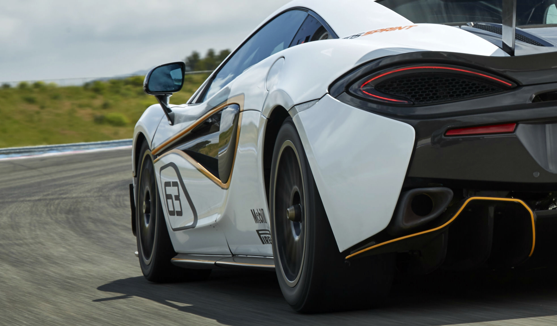 McLaren 570S Sprint Pictures