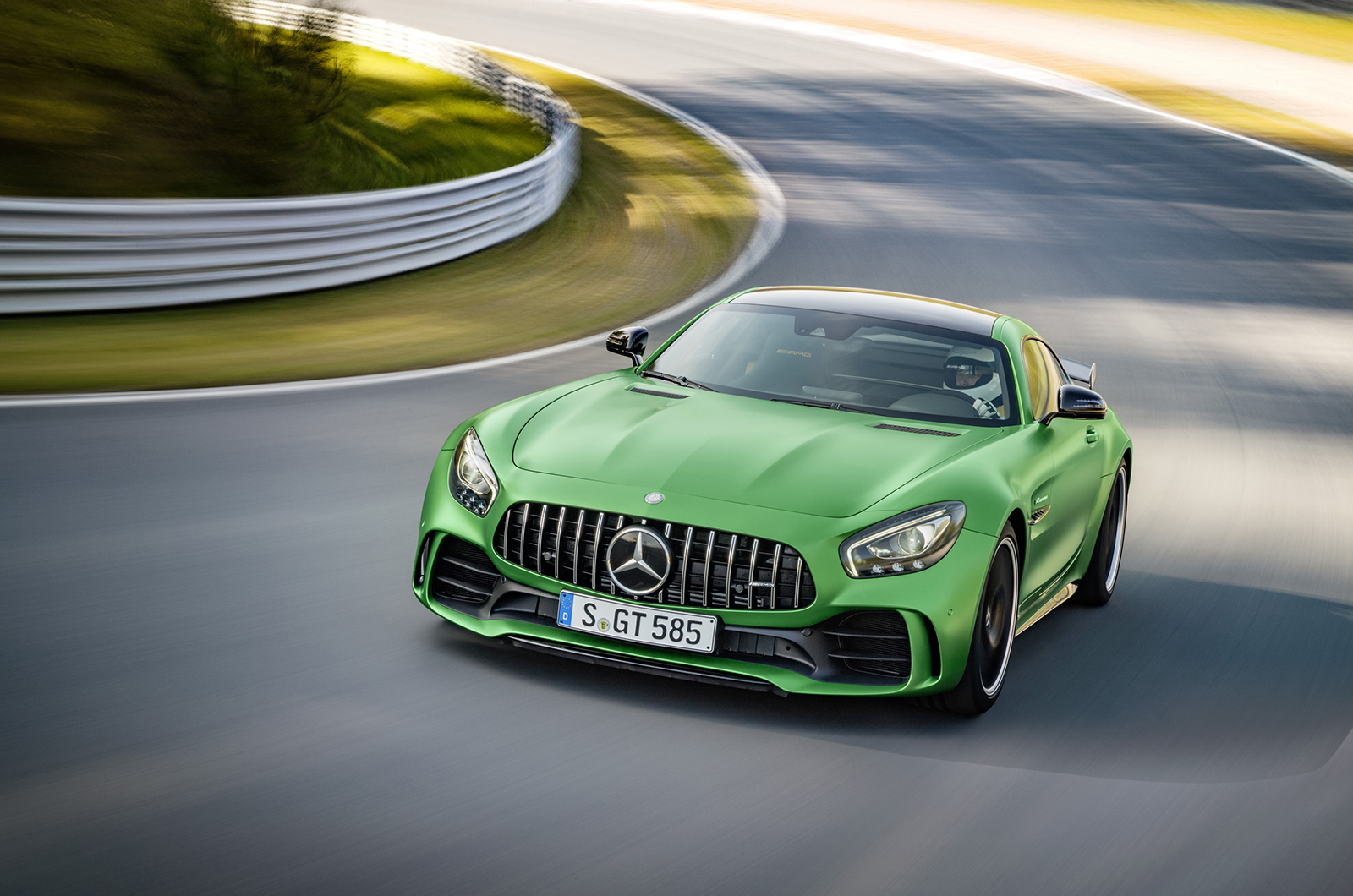 Mercedes AMG GT R For Desktop