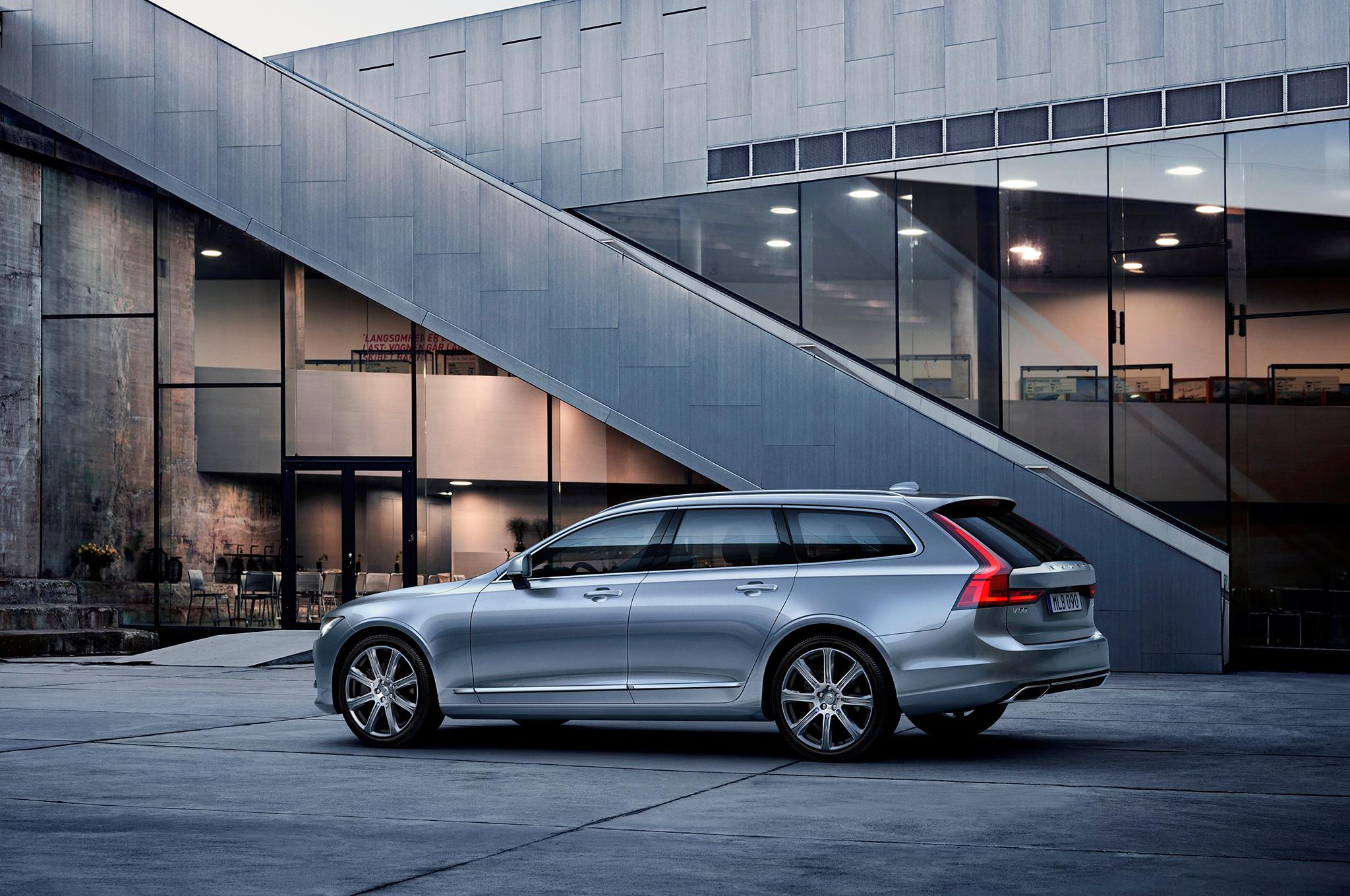 Volvo V90 2017 Photos