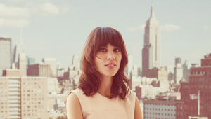 Alexa Chung Ultra HD Wallpaper