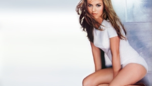 Alicia Silverstone For Desktop
