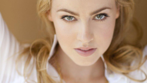 Amanda Schull High Quality Wallpapers