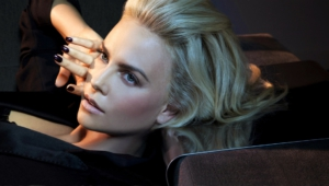 Charlize Theron Desktop Wallpaper