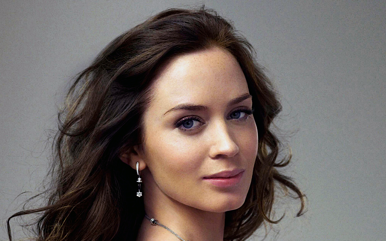 Emily Blunt Download Free Backgrounds HD