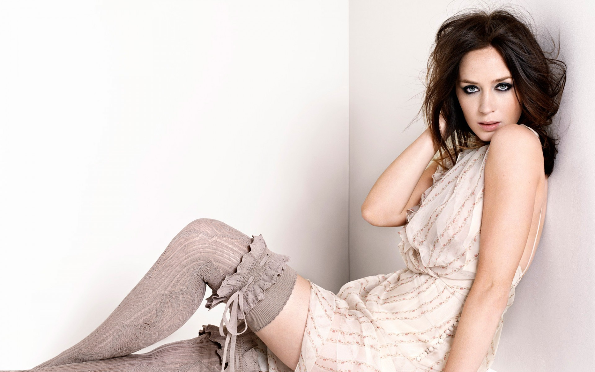 Emily Blunt Free HD Wallpapers