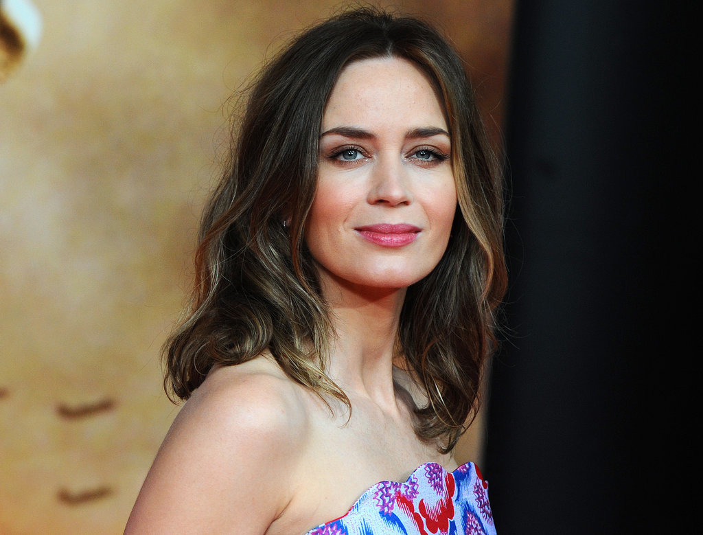 Emily Blunt Sexy Wallpapers