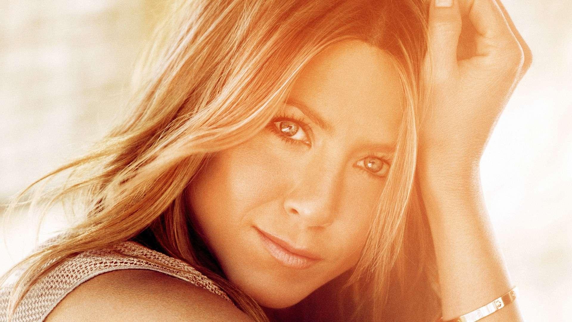 Jennifer Aniston Background