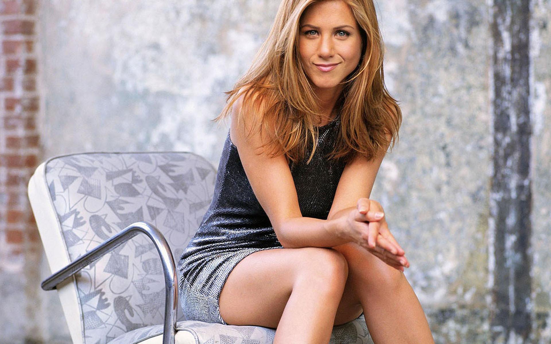 Jennifer Aniston High Quality Wallpapers