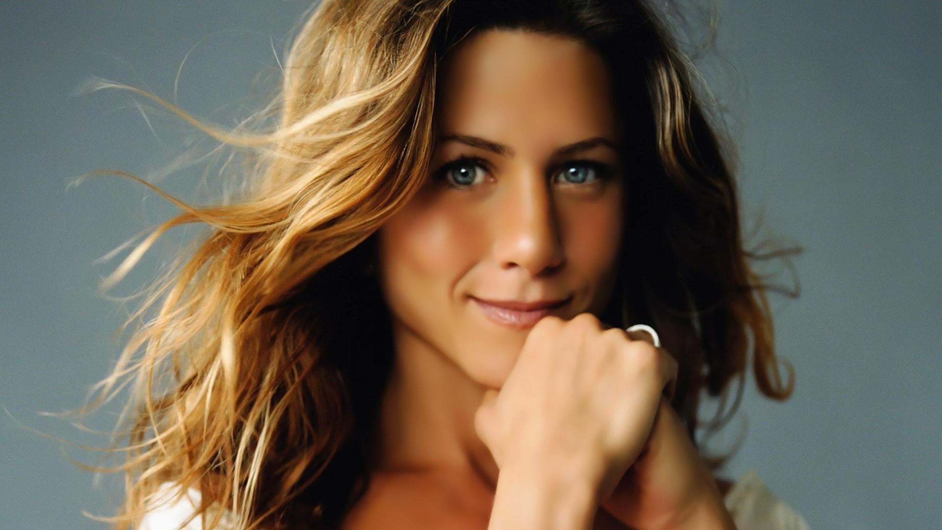 Jennifer Aniston Images