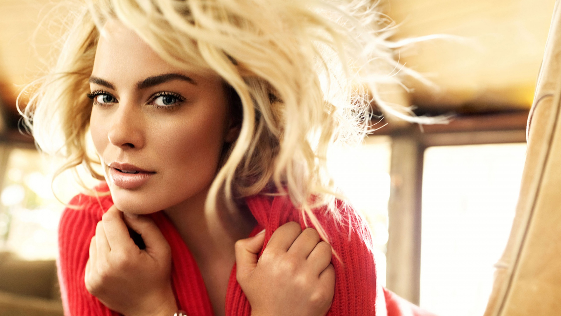 Margot Robbie For Desktop Background