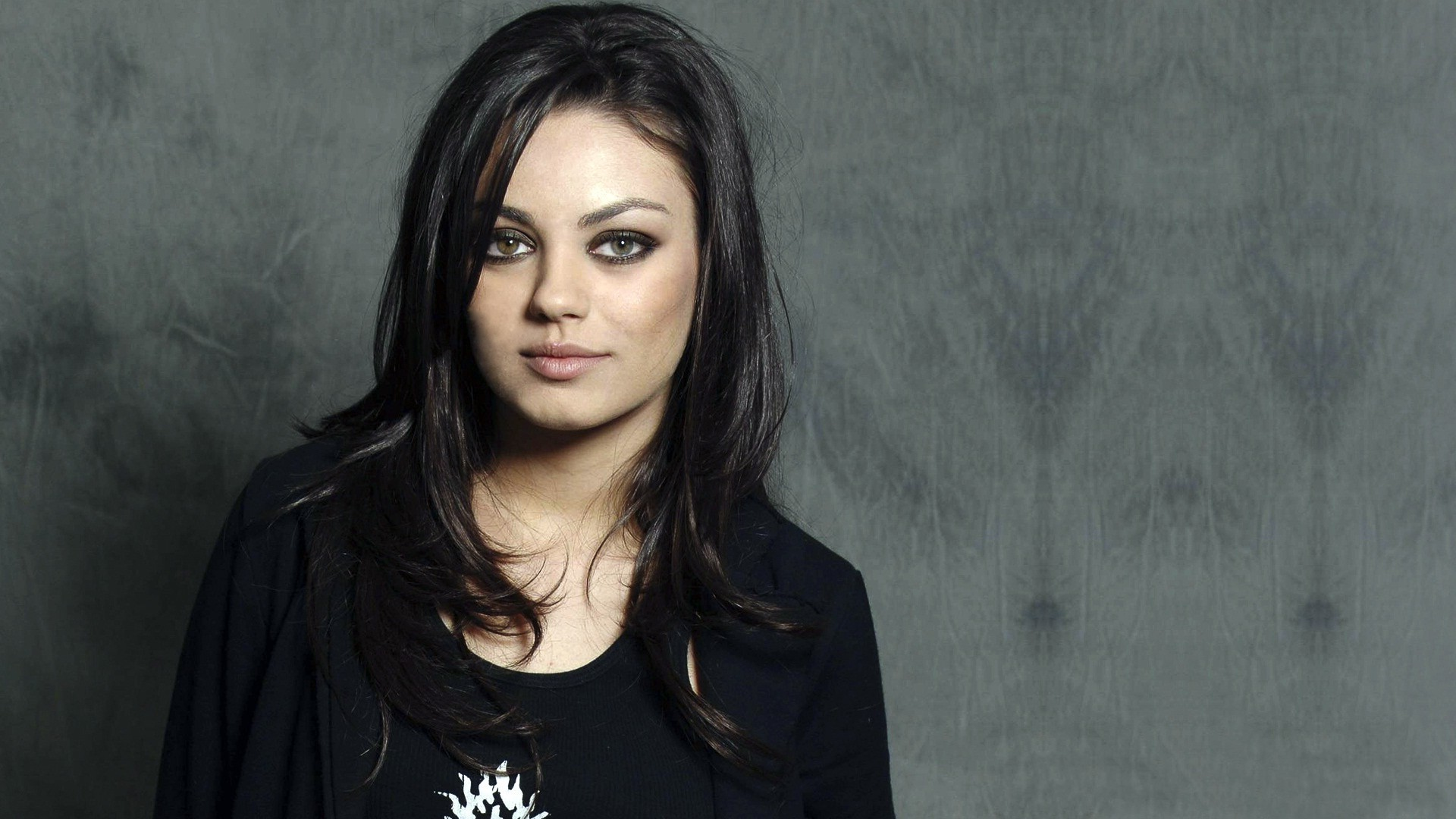 Mila Kunis High Definition