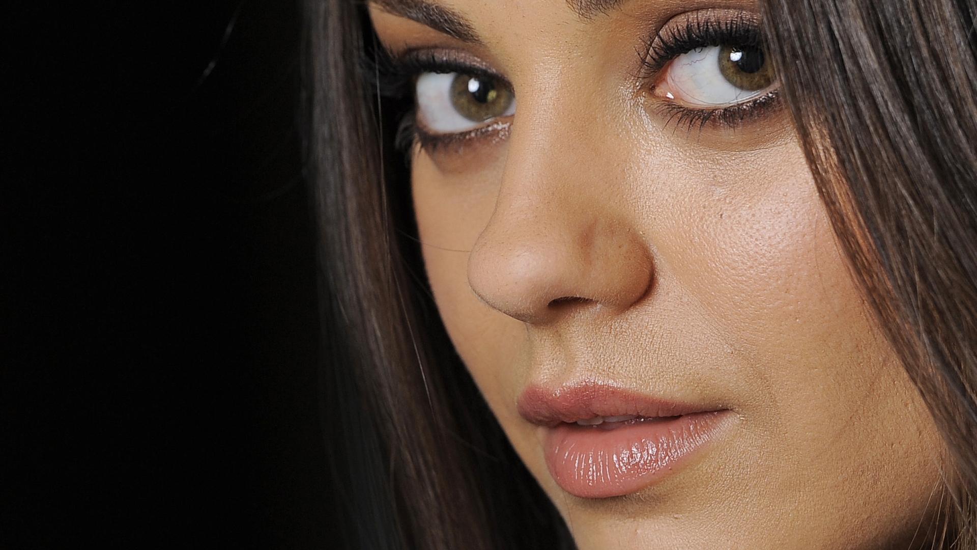 Mila Kunis For Desktop