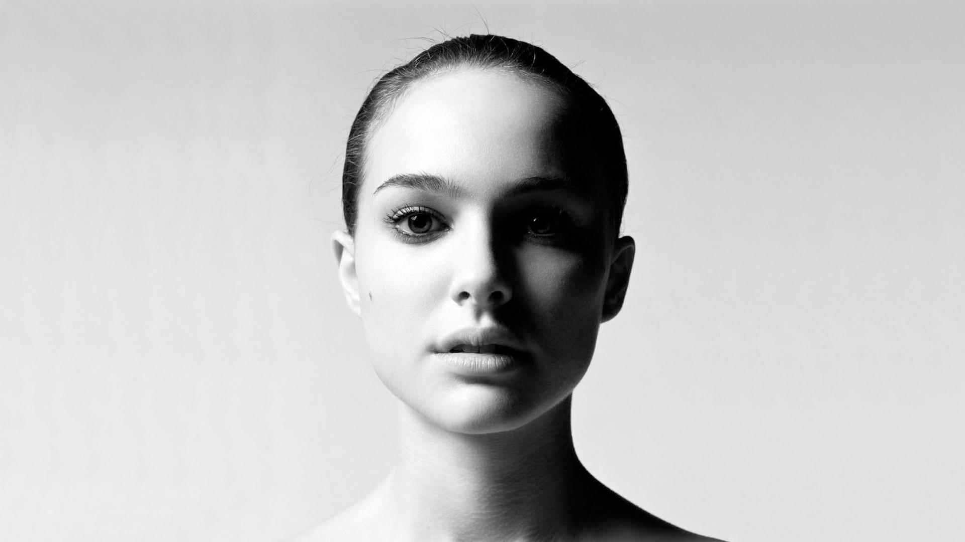 Natalie Portman HD Background